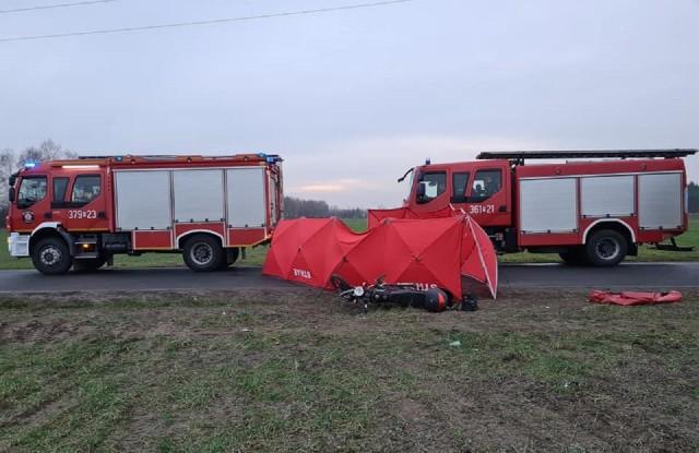Na ul. Zakładowej w Koninie we wtorek doszło do zderzenia motoroweru z ciężarówką. W wypadku zginął kierujący jednośladem. Zobacz więcej zdjęć ---->