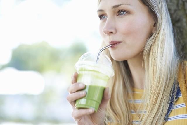 Podstawą diety są zielone koktajle