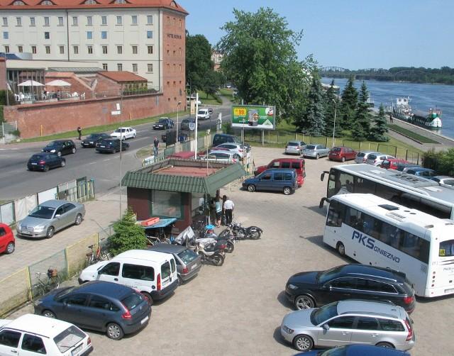 W 2019 roku Toruń odwiedziło niemal 2,5 miliona turystów. Ponad 20 procent dotarło do nas autobusem lub autokarem