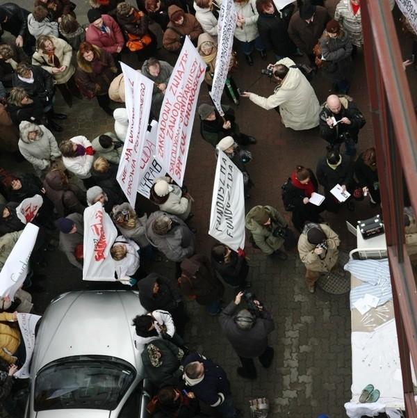 Protestowali członkowie wszystkich związków zawodowych służby zdrowia