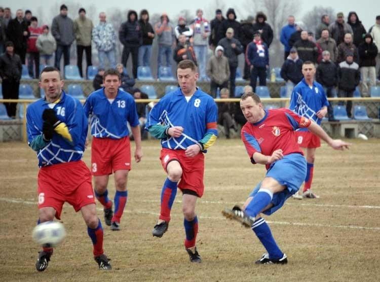 W meczu 1/16 Pucharu Polski (edycja wojewódzka) A-klasowy Diament Trzebielino przegral z Gryfem 95 Slupsk 0:1 (0:0, 0:0).