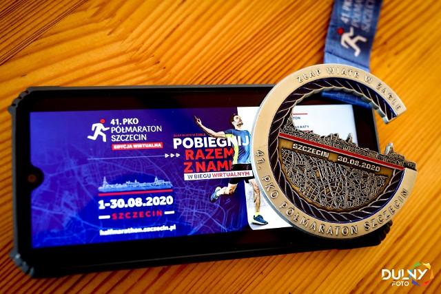 Pamiątkowy medal dla uczestników 41. PKO Półmaratonu Szczecin.