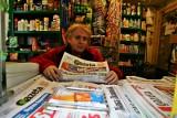 Apel redaktorów naczelnych polskich gazet do czytelników o kupowanie prasy. - Wspierajmy się w trudnych chwilach - apelują szefowie gazet.