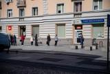 Białystok: Kolejka do punktu BKM. Władze miasta apelują, by zostać w domu, a za przejazdy płacić za pomocą aplikacji