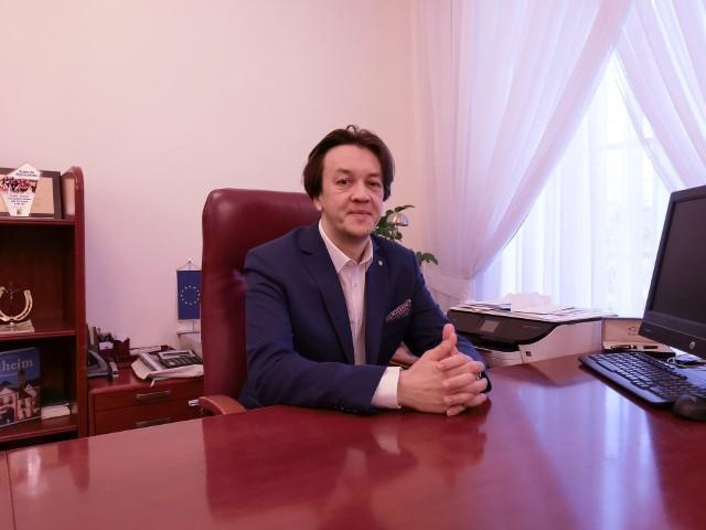 Piotr Kozłowski, burmistrz Kozienic mówi o budżecie gminy.