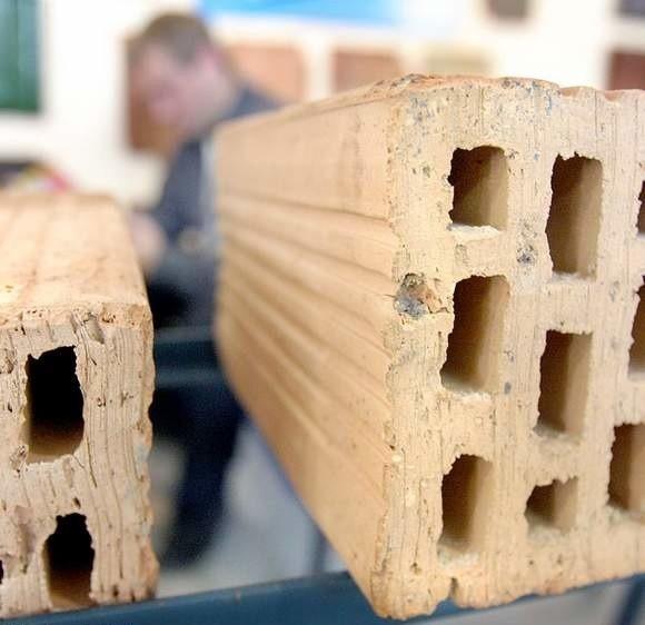 W dobrym składzie budowlanym każdy zakupiony materiał można przechować do momentu ruszenia inwestycji.