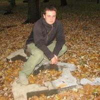 - Po ławeczkach i latarniach w tym parku pozostało tylko wspomnienie - mówi ełczanin Łukasz Klimowicz. - Szkoda, że takie fajne miejsce jest niezagospodarowane.