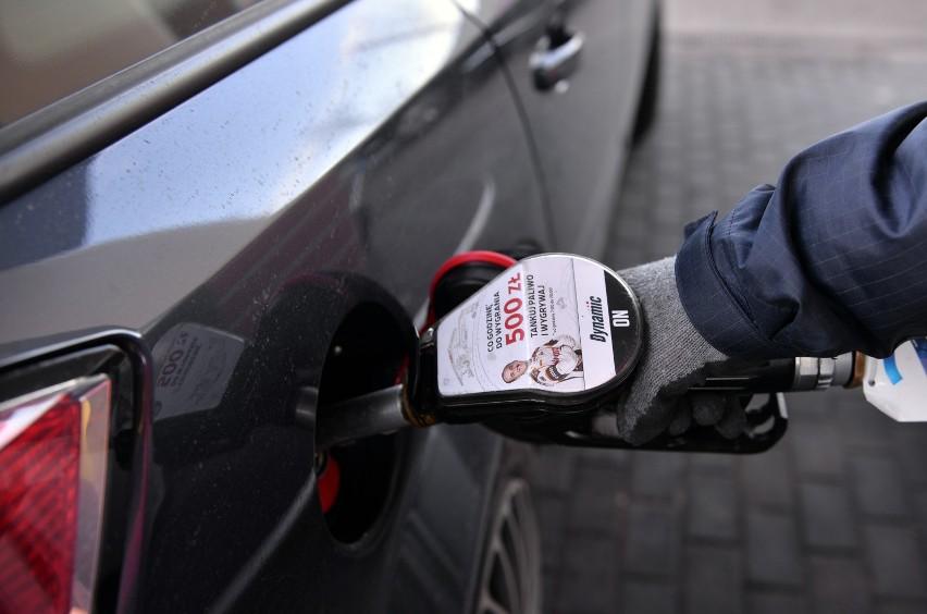 Dziś taniej niż na polskich stacjach kupimy benzynę jedynie...
