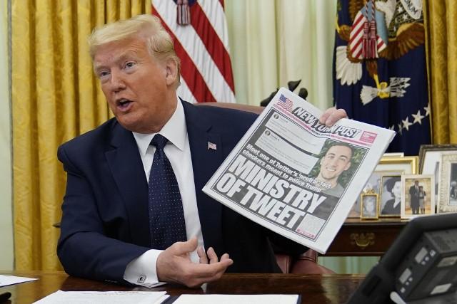 Donald Trump przed podpisaniem specjalnego zarządzenia w sprawie mediów społecznościowych