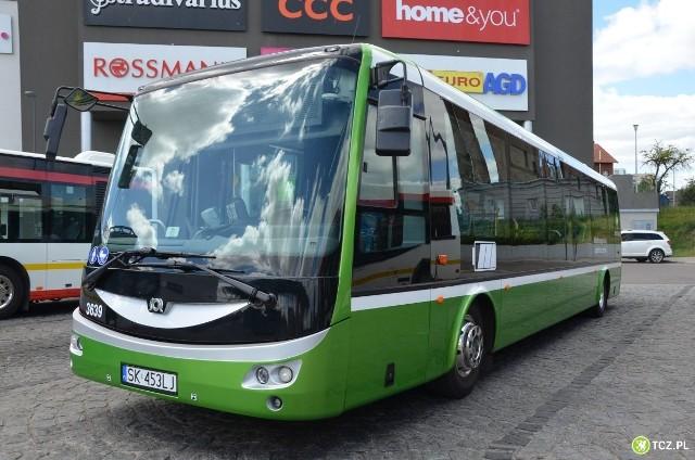 Autobus elektryczny firmy SOR na ulicach Tczewa