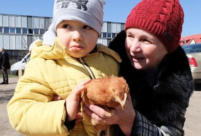 - Kurki już są, będą i jajka. To dla nas spore wsparcie, bo ostatnio spotkało nas nieszczęście i każda pomoc jest potrzebna - przyznaje Anna Piłaszewicz ze wsi niedaleko Zabłudowa.