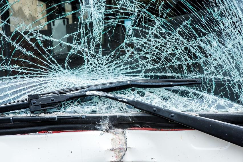 Do zderzenia dwóch samochodów doszło na drodze wojewódzkiej nr 134, między Rzepinem, a Maczkowem.