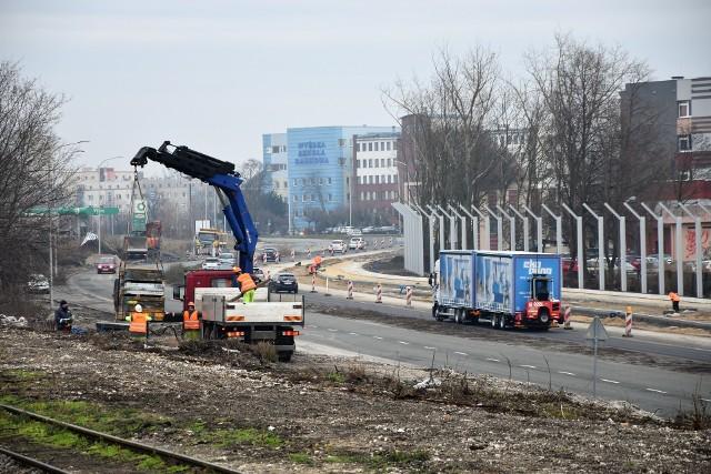 W rejonie stacji Opole Wschodnie będą kolejne utrudnienia - zamknięty będzie prawy pas północnej nitki ul. Bohaterów Monte Cassino