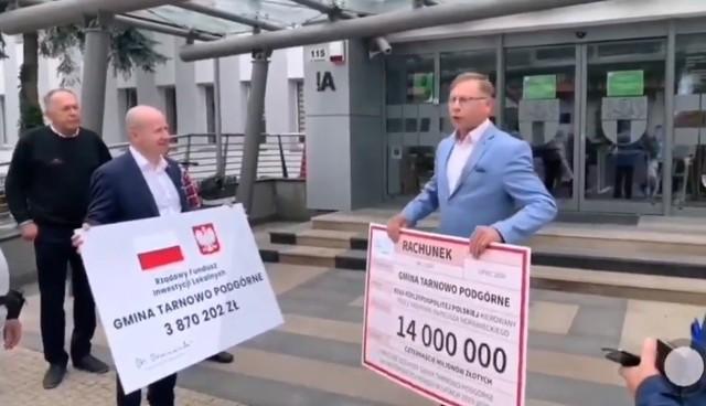 Tadeusz Czajka, wójt Tarnowa Podgórnego, wystawił rachunek za rządy PiS