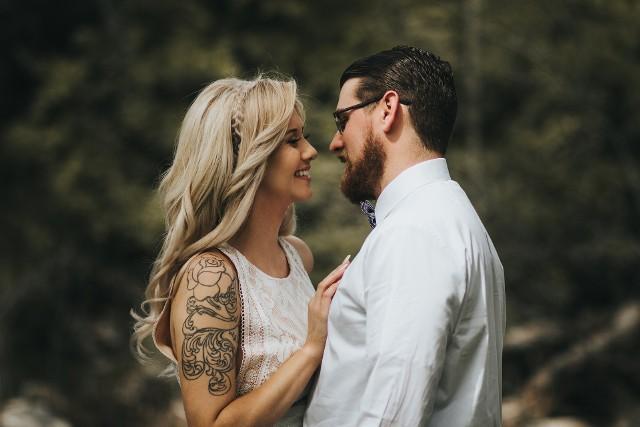 W salonach tatuażu coraz częściej pojawiają się kobiety