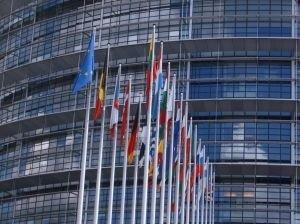 Jeśli unijne przepisy wejdą w życie producenci żywności zostaną zobowiązani do umieszczania na etykietach jasnych informacji o szkodliwych substancjach.