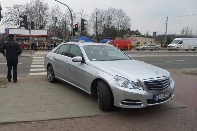 Mercedesem na cmentarz