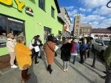 Siewierz. Mieszkańcy i przedsiębiorcy protestują przeciwko opłacie za parkowanie na rynku. Co będzie dalej?