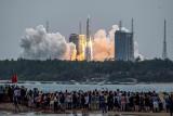 Gdzie spadnie chińska rakieta? Fragmenty Long March 5B mogą uderzyć w Ziemię. Sekretarz obrony USA: Nie mamy planu zestrzelenia tego obiektu