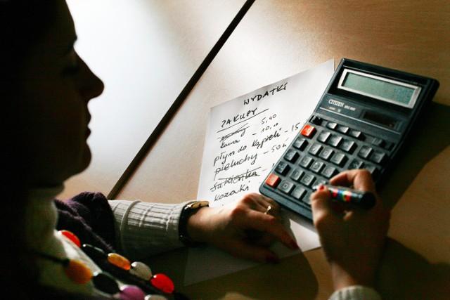 Pożyczki bierzemy w parabankachJeżeli decydujemy się na dodatkowe zadłużenie, to najczęściej wybieramy pożyczki z długim okresem spłaty