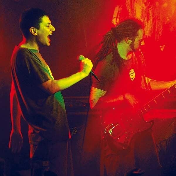 Indios Bravos to unikat na scenie muzycznej, tak samo i głos Gutka jest nie do przebicia.