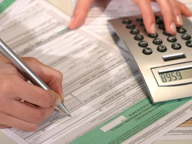 Podatnicy VAT składają deklarację i wpłacają podatek do 25 dnia następnego miesiąca