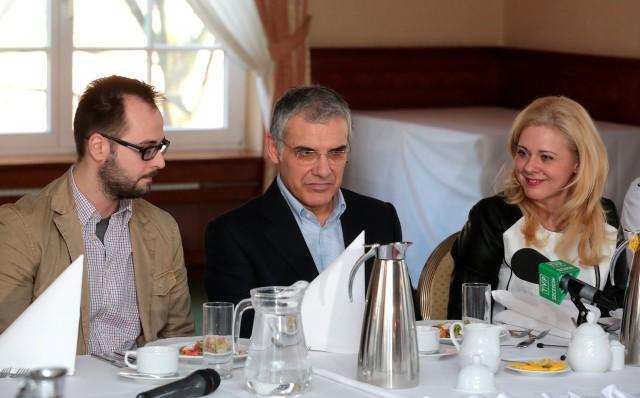 Giuseppe Cuccarini (w środku) i Joanna Żurowska mają świadomość, jak ważne dla Chemika jest piątkowe losowanie.