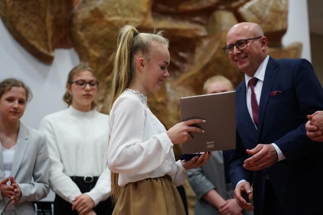 Gala Mistrzowie Sportu w auli poznańskiej AWF. Zobaczcie, jak laureaci naszego plebiscytu odbierali nagrody i wyróżnienia.Kolejne zdjęcie -->