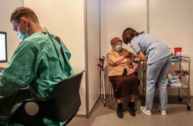 Kolejna grupa wiekowa od czwartku może się zapisywać na szczepienia