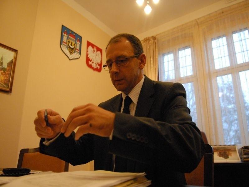 W piątkowym, papierowym wydaniu, na czynniki pierwsze rozłożymy pensję burmistrza Marka Cebuli.