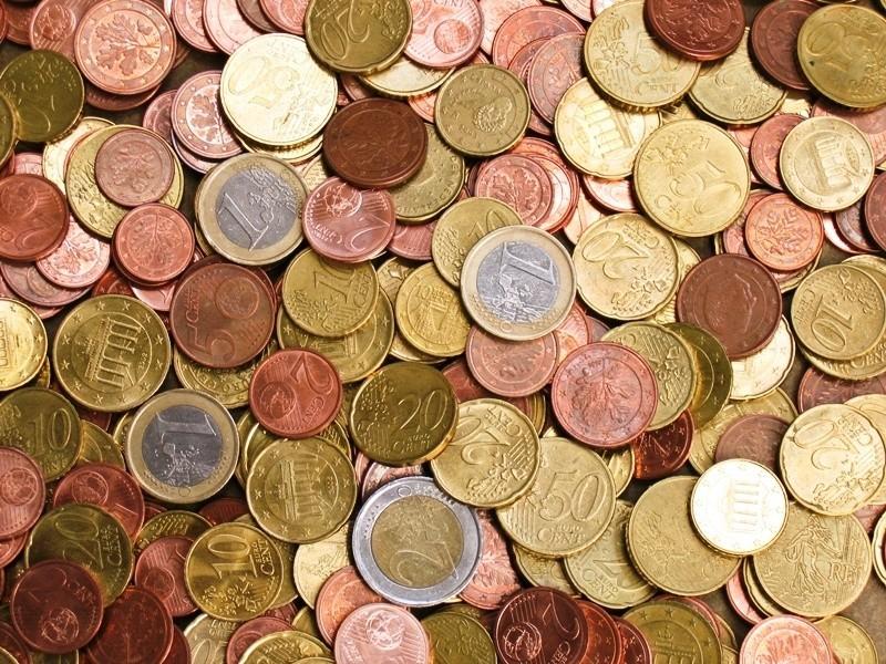 Wciąż jednak raty pożyczek udzielanych w złotówkach są dużo wyższe od tych w euro.