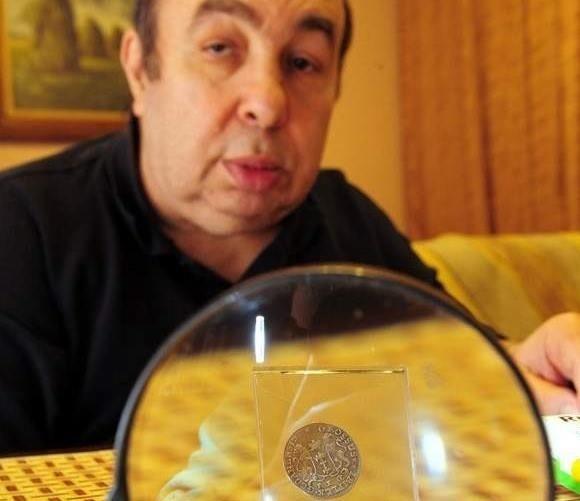 Tadeusz Iger- właściciel unikalnej kolekcji monet - postanowił przekazać ją muzeum tuż przed swoją śmiercią.