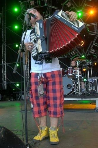 Piotr (Lolek) Sołoducha – vocal, akordeon