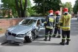 Kolizja w Lęborku 1.09.2020. Młody kierowca nie opanował bmw na ul. Sikorskiego. Stracił prawo jazdy
