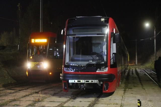 Nowe pesy jadą do Łodzi. Pierwszy nowy tramwaj przyjechał nad ranem 4 listopada