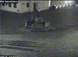 Poznań: Pijany mężczyzna zniszczył fontannę na Starym Rynku. Uszkodził włócznię Marsa [ZDJĘCIA]