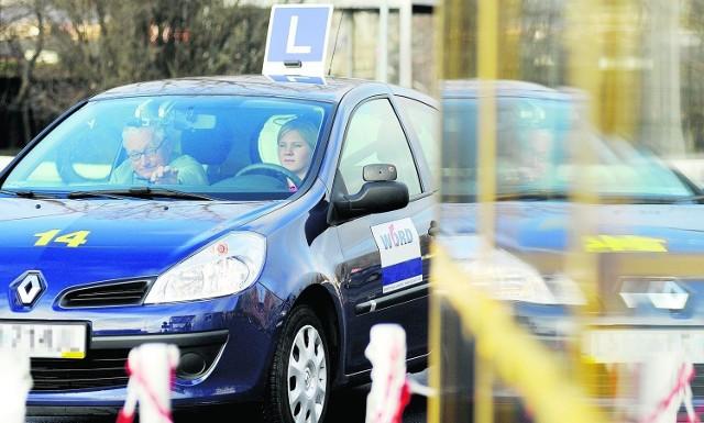 Najlepsze szkoły jazdy w Częstochowie i okolicach. Ranking WORD 2020Zobacz kolejne plansze. Przesuwaj plansze w prawo - naciśnij strzałkę lub przycisk NASTĘPNE