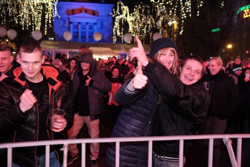 Sylwester 2017 w Poznaniu: Wielka impreza na placu Wolności