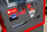 Biletomaty w gdańskich autobusach. W 15 pojazdach kursujących na lotnisko od września zostaną zamontowane biletomaty