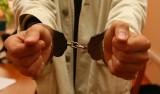 Policjanci z Krapkowic zatrzymali dwóch mężczyzn podejrzanych o włamania do autobusów