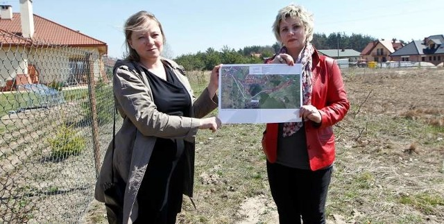 - Będziemy walczyć o swoje do skutku –  mówią w imieniu mieszkańców Beata Rosińska  i Iwona Osowska. O pomoc zamierzają poprosić zarząd województwa, który zatwierdza program funkcjonalno-użytkowy inwestycji.