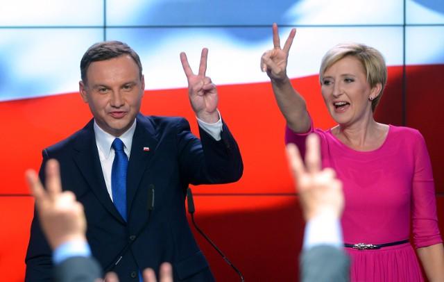 Andrzej i Agata Dudowie po ogłoszeniu wyników w pierwszej turze