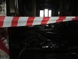 Pożar na Dworcu Świebodzkim. Spłonęły wagony, w których kiedyś działał bar. Kto je podpalił? [ZDJĘCIA]