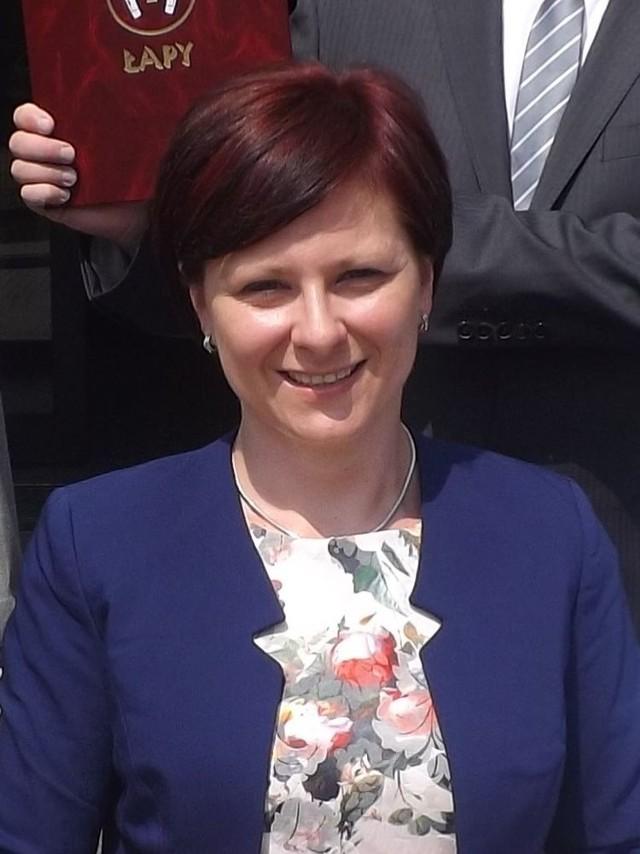 Urszula Jabłońska burmistrz Łap uważa, że szpital w Łapach  musi  funkcjonować by zapewnić opiekę