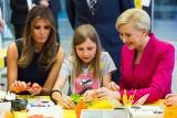 Warszawa: Melania Trump zabrała głos na pl. Krasińskich [ZDJĘCIA] W Polsce gościła też Ivanka Trump