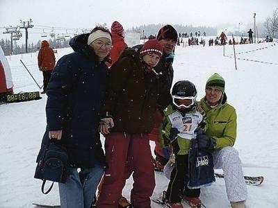 Zakopiańska rodzina Gaurów dopingowała najmłodszego z nich Szymona w zawodach zjazdowych Fot. Zdzisław Karaś