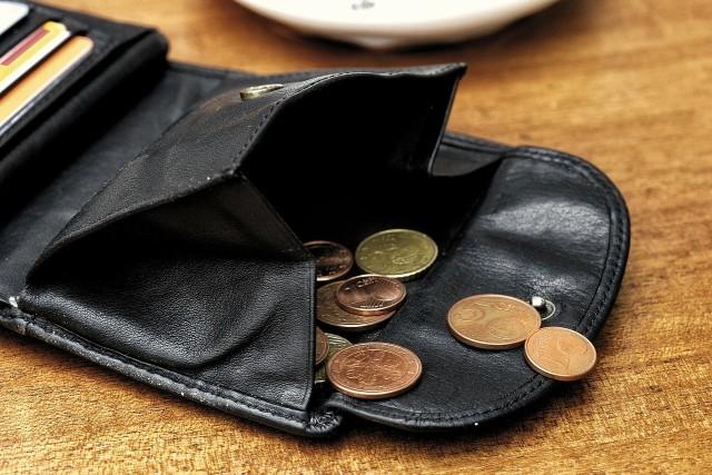 Przez pół roku można spłacać tylko odsetki od zaciągniętych kredytów