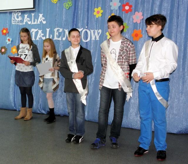 IV Gala Talentów w SP nr 2 w BarcinieW szkole nie brakuje zdolnych uczniów...