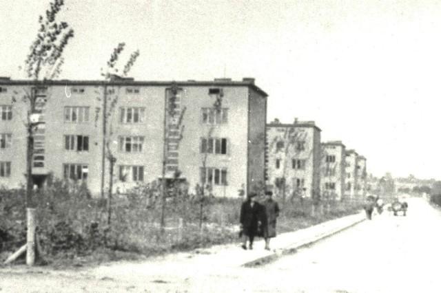 Rzeszów, 1944 rok. Osiedle Robotnicze PZL WS 2 przy ul. Dąbrowskiego wzniesione w latach 1938-1939. To właśnie rozwój miasta związany z COP był jednym z decydujących czynników, że właśnie w Rzeszowie ustanowiono stolicę rodzącego się województwa.