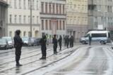 Akcja policji na Traugutta. Słychać strzały [ZDJĘCIA]